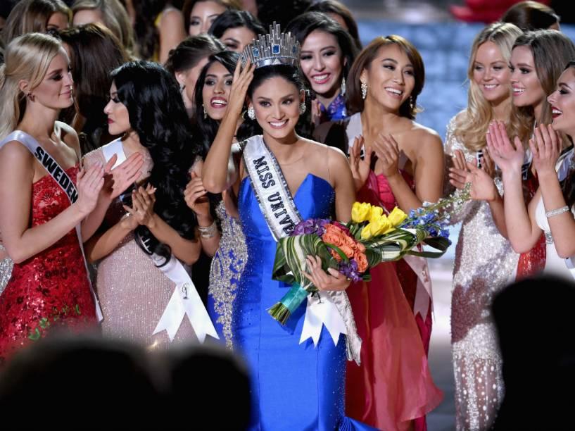 Concorrentes do Miss Universo 2015 comemoram com a vencedora