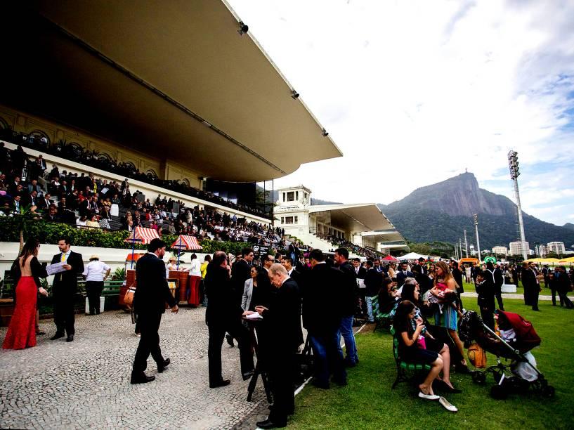 Público durante 83º edição do Grande Prêmio Brasil de Turfe