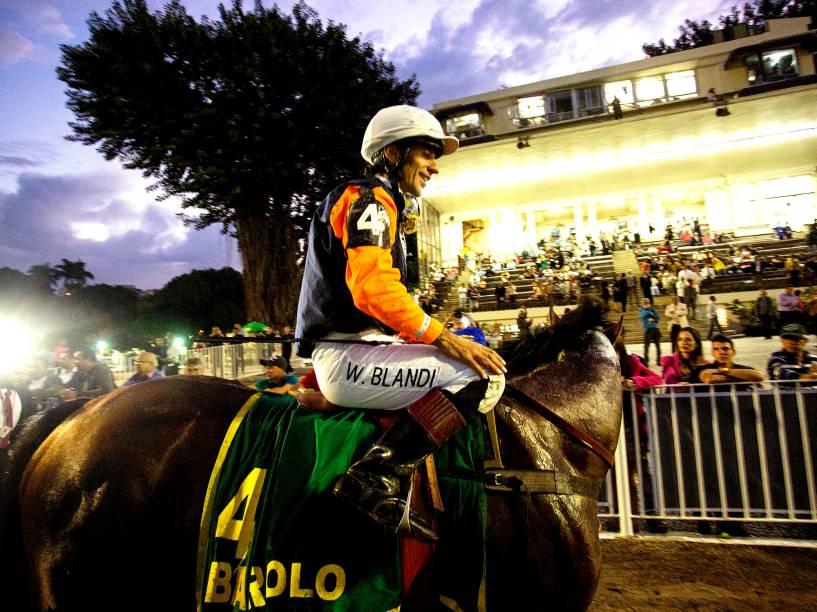 Barolo é o vencedor do Grande Prêmio Brasil de Turfe