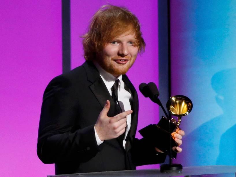 Ed Sheeran durante a 58ª edição do Grammy, premiação que elege os melhores da música internacional, que acontece nesta segunda-feira (15)