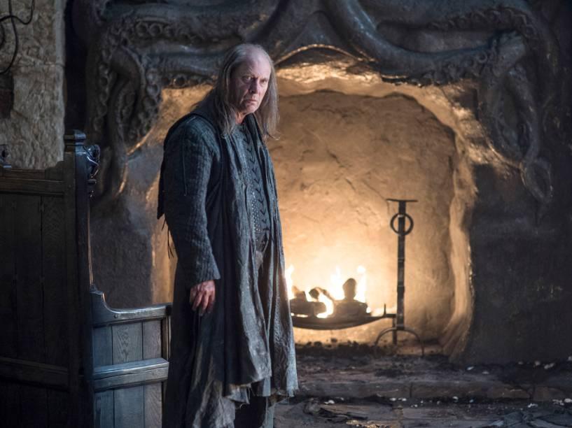 Gwendoline Christie (Brienne of Tarth), em cena da sexta temporada da série Game of Thrones