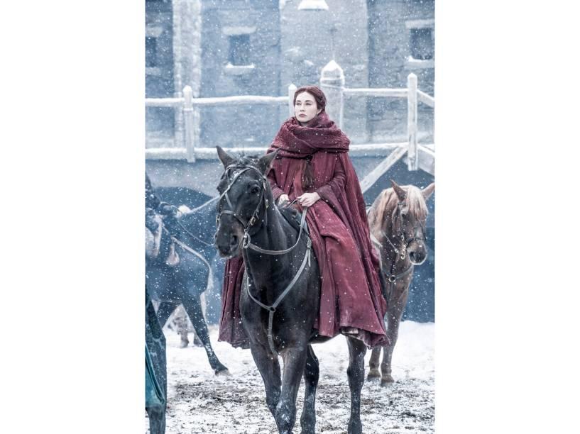 Carice van Houten (Melisandre), em cena da sexta temporada da série Game of Thrones