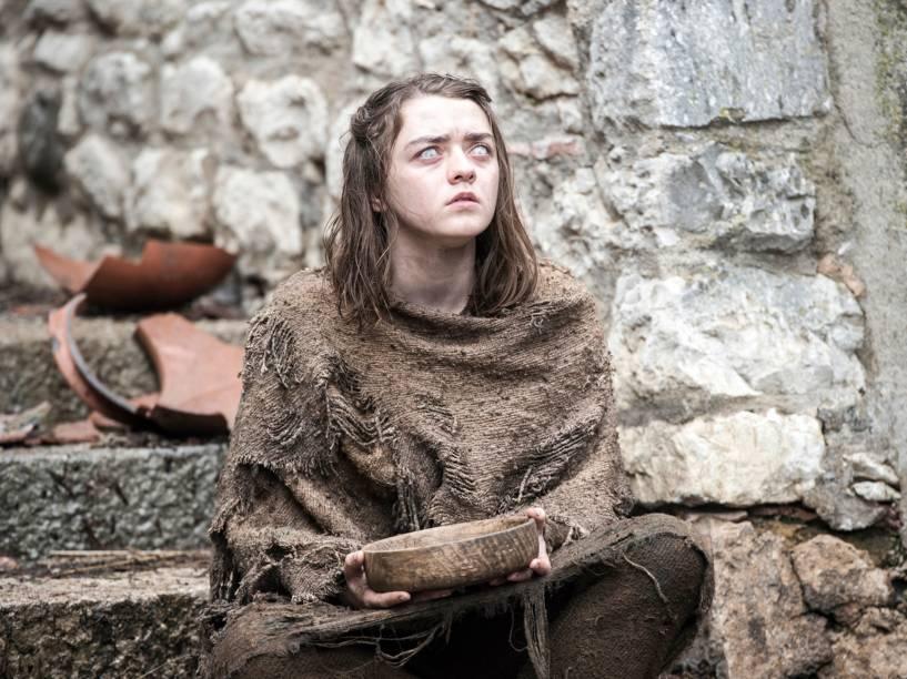 Maisie Williams (Arya Stark), em cena da sexta temporada da série Game of Thrones
