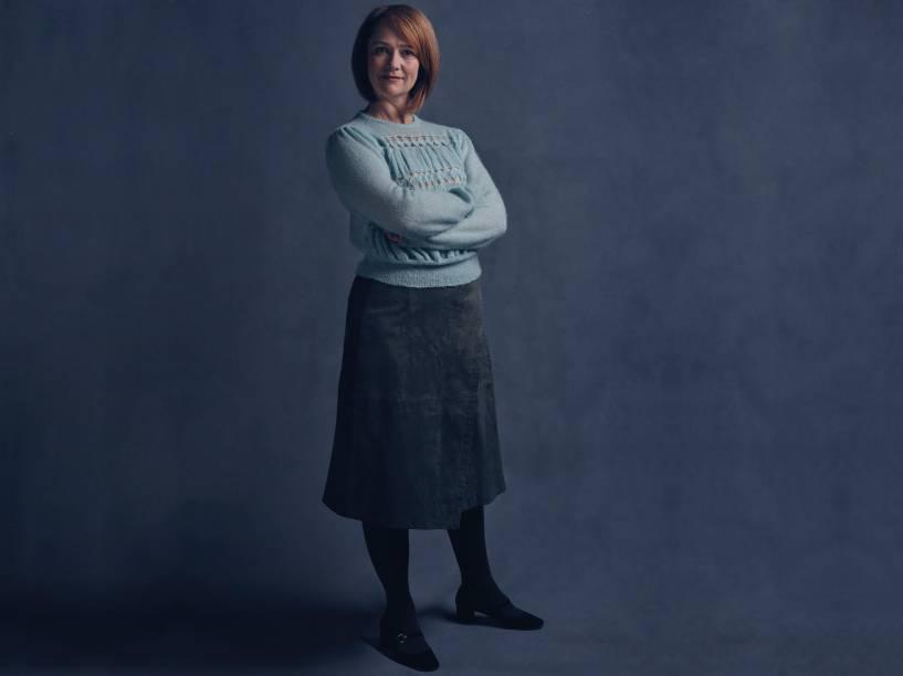 Poppy Miller interpreta a versão adulta de Gina Potter em peça de teatro
