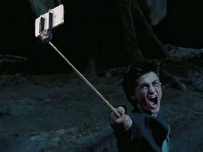 Harry Potter e seu novo feitiço: Expelliarmus Selfie! - Harry Potter