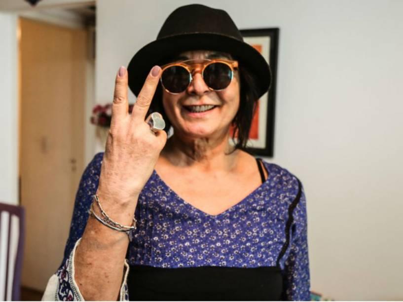 Harumi, 64 anos, já foi modelo e é jornalista aposentada