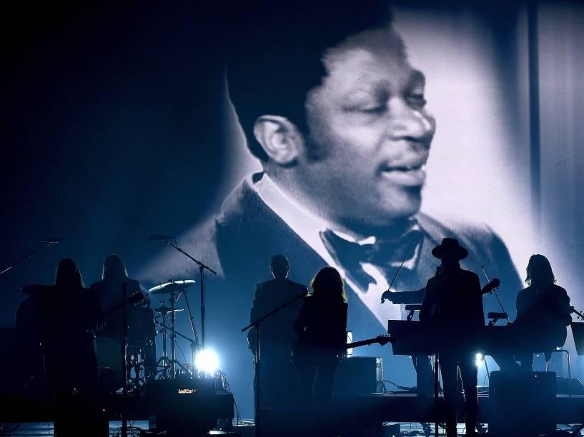 Homenagem a  B.B. King durante 58ª edição do Grammy, premiação que elege os melhores da música internacional, que acontece nesta segunda-feira (15)