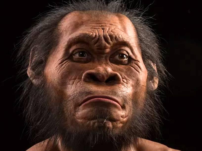 <p>Imagem da revista National Geographic mostra reconstrução artística da face do Homo naledi</p>