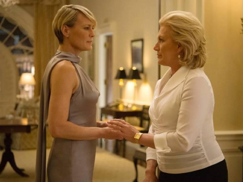 Catherine Durant (Jane Atkinson) e Claire Underwood (Robin Wright) em cena da quarta temporada da série produzida pelo Netflix, House of Cards