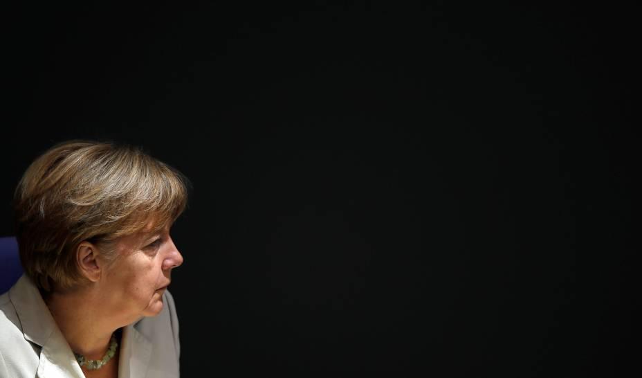 A chanceler alemã, Angela Merkel durante uma sessão na câmara do Parlamento, em Berlim