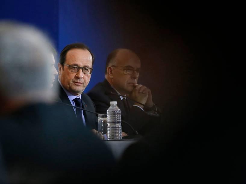 """O presidente francês François Hollande afirmou nesta sexta-feira que """"todos os cidadãos serão bem-vindos"""" na grande manifestação programada para este domingo em função do atentado contra a revista satírica Charlie Hebdo"""