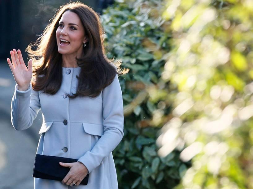 Kate Middleton chega para participar de um café com amigos e familiares em Londres, na Inglaterra