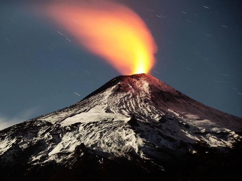 <p>Imagem do vulcão Villarrica, um dos mais ativos do Chile, que fica cerca de 800 km ao sul de Santiago</p>