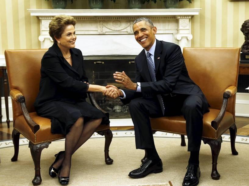 <p>O presidente dos EUA, Barack Obama, recebe a presidente do Brasil, Dilma Rousseff, no Salão Oval da Casa Branca, em Washington - 30/06/2015</p>