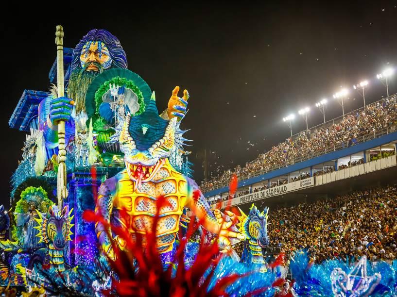"""A Escola de Samba Império de Casa Verde desfila com o samba-enredo """"O Império dos Mistérios"""", no Sambódromo do Anhembi em São Paulo (SP), neste sábado (06)"""