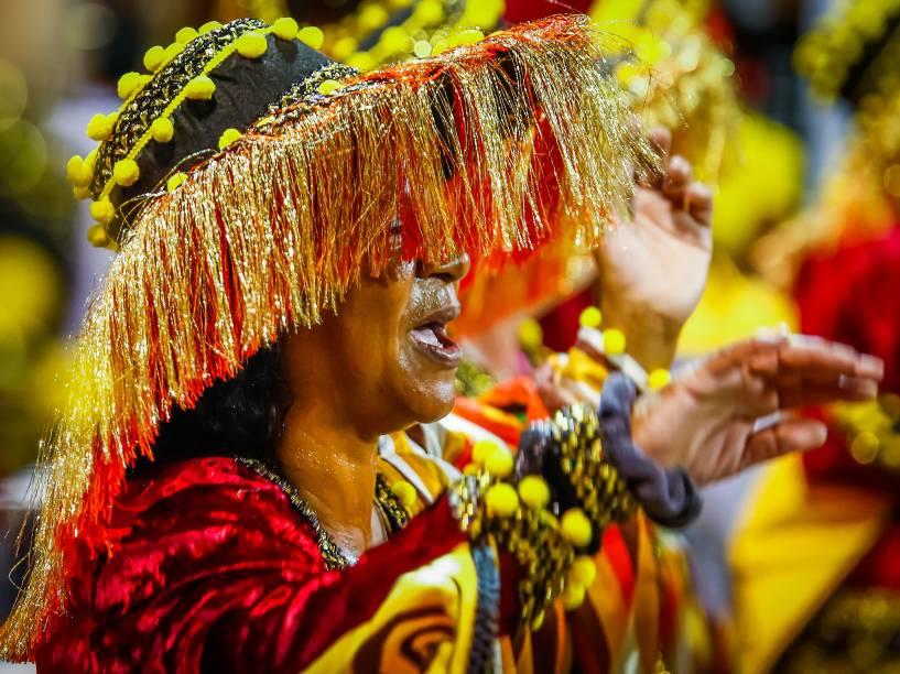 """A Escola de Samba Império de Casa Verde desfila com o samba enredo """"O Império dos Mistérios"""", no Sambódromo do Anhembi em São Paulo (SP), neste sábado (06)"""