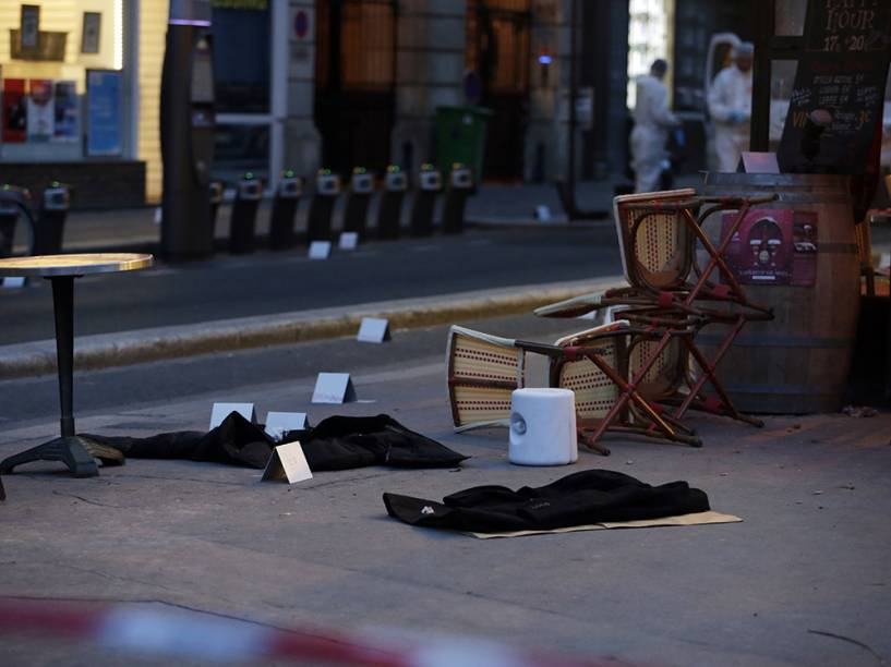 Investigações seguem na capital francesa