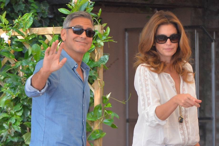 George Clooney e a topmodel Cindy Crawford durante um café da manhã antes da cerimônia de casamento do ator, em um hotel de Veneza, na Itália
