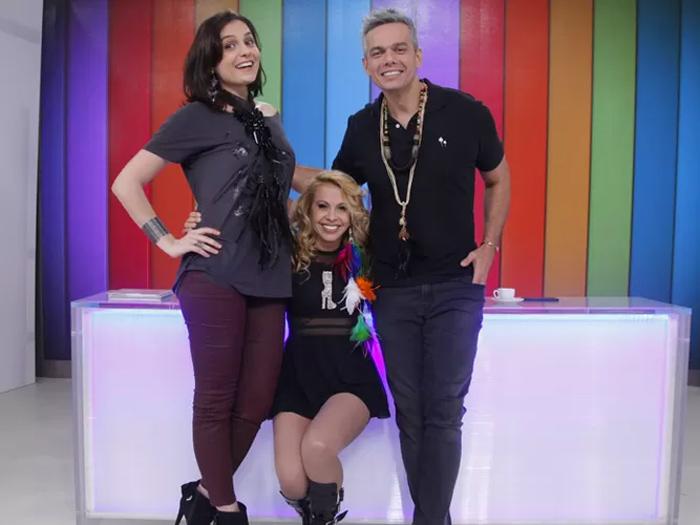 Joelma com Mônica Iozzi e Otaviano Costa, no Vídeo Show