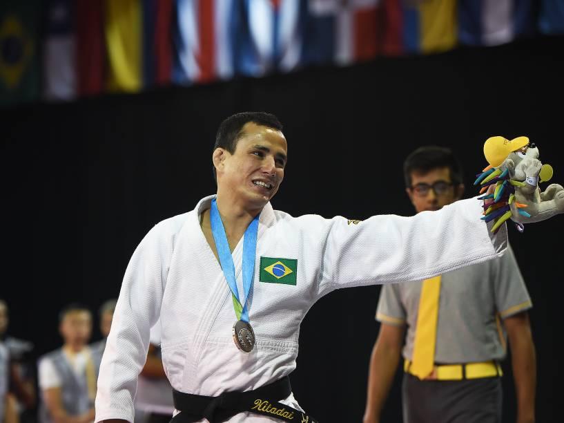 O judoca Felipe Kitadai, conquista a medalha de prata nos Jogos de Toronto