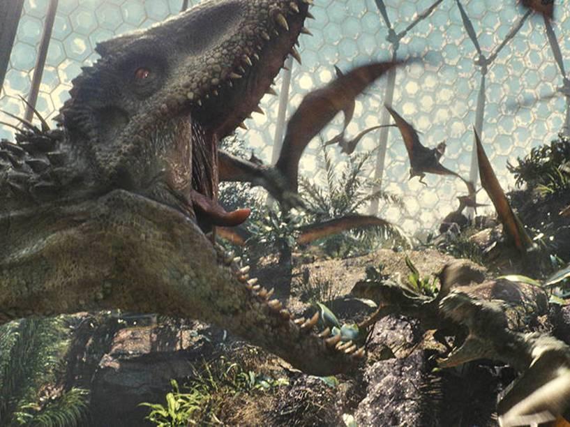 Cena de Jurassic World, lançado 22 anos após o primeiro Jurassic Park. No filme, o parque localizado na Ilha Nublar está aberto há dez anos