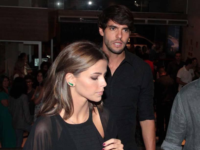 Kaká e Vanessa Ribeiro chegaram juntos a um evento beneficente em São Paulo, mas não posaram juntos