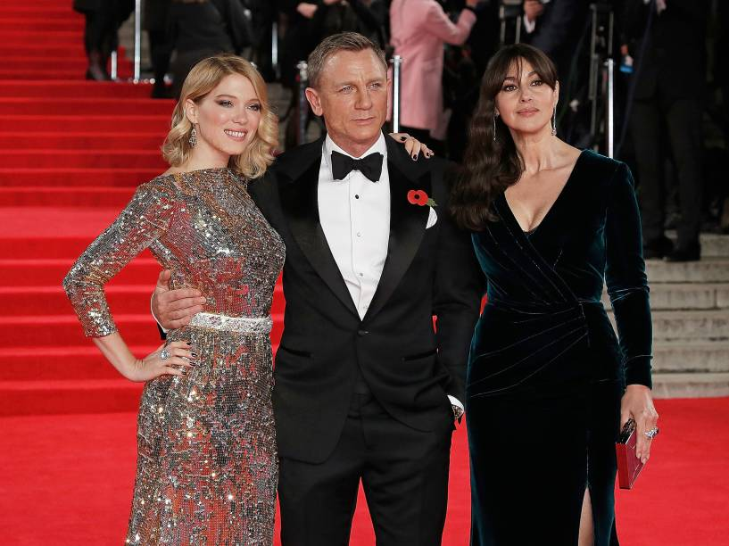 Lea Seydoux, Daniel Craig e Monica Bellucci no Royal Albert Hall, em Londres