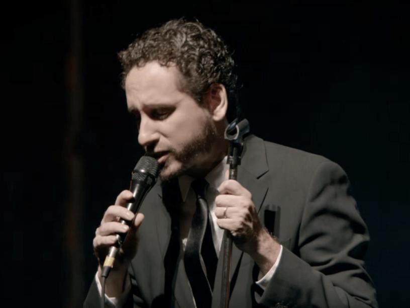 Leonardo Gonçalves no clipe de Sublime