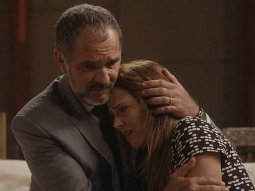 Germano (Humberto Martins) e Lili (Viviane Pasmanter) em Totalmente Demais