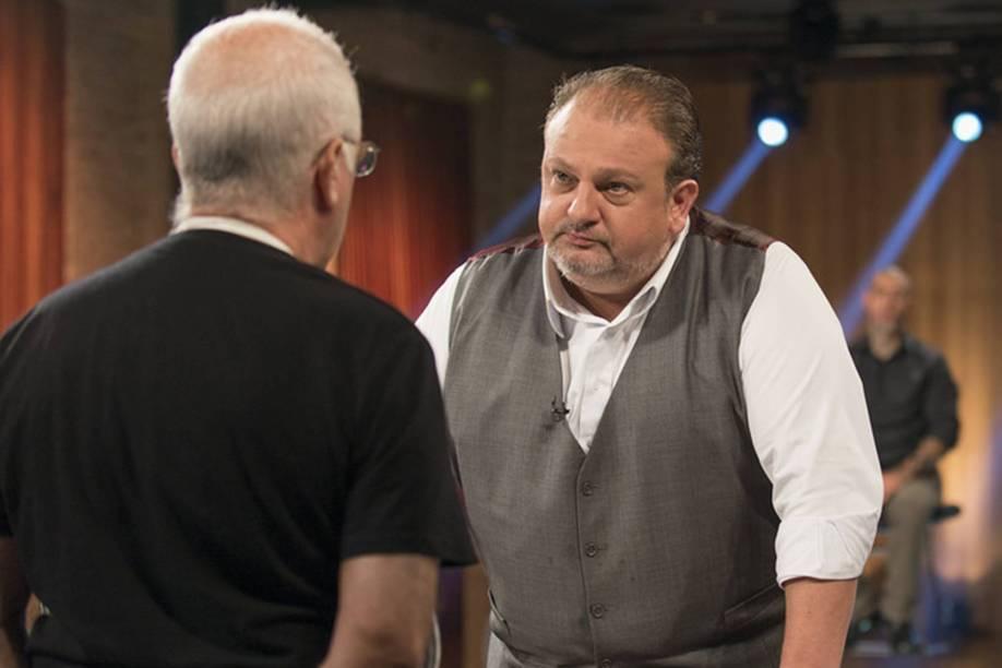 O chef Erick Jacquin avalia um candidado para a terceira temporada de Masterchef