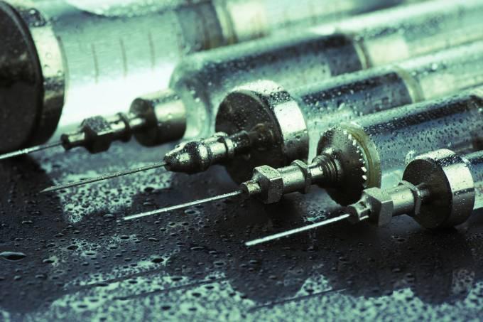 alx_medicina-seringa-de-vidro-20120923-001_original.jpeg