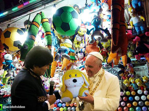 Presente de Evo Morales para o Papa vira meme pelas mídias sociais