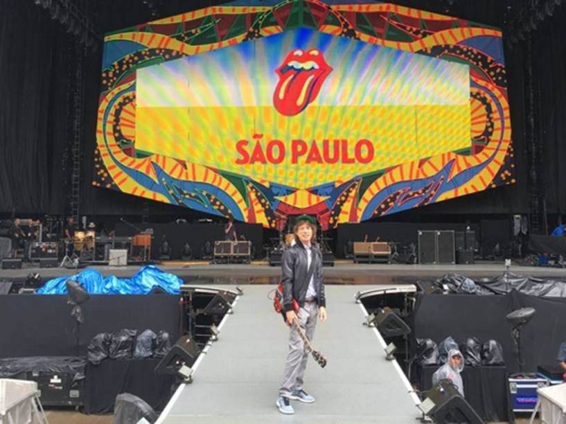 Mick Jagger no palco em São Paulo, onde os Rolling Stones se apresentam nesta quarta-feira