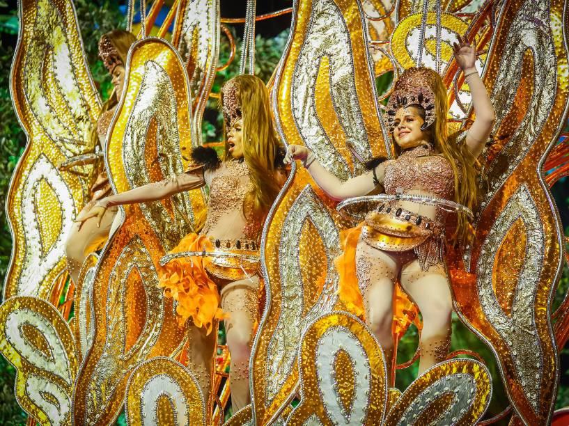 Desfile da escola de samba Mocidade Alegre válida pelo Grupo Especial, no Sambódromo do Anhembi em São Paulo