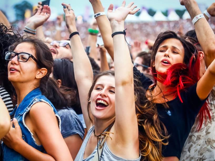 Público durante apresentação de Of Monsters and Men no Lollapalooza 2016