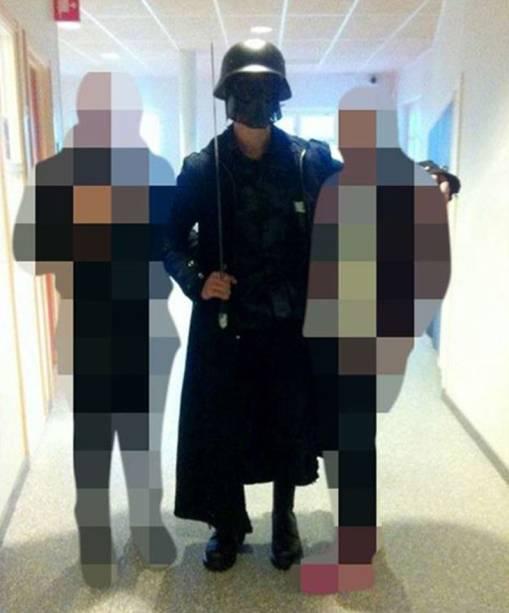 Imagem feita por um estudante mostra o homem que atacou com uma espada estudantes e funcionários de uma escola em Trollhättan, Suécia - 22/10/2015