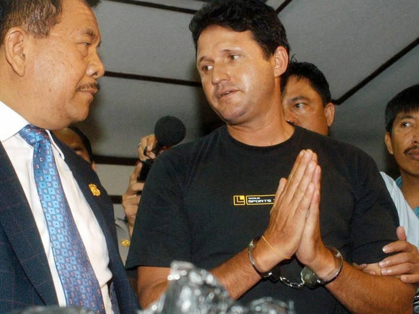Marco Archer, preso por tráfico de drogas, durante coletiva de imprensa em 2003 na Indonésia
