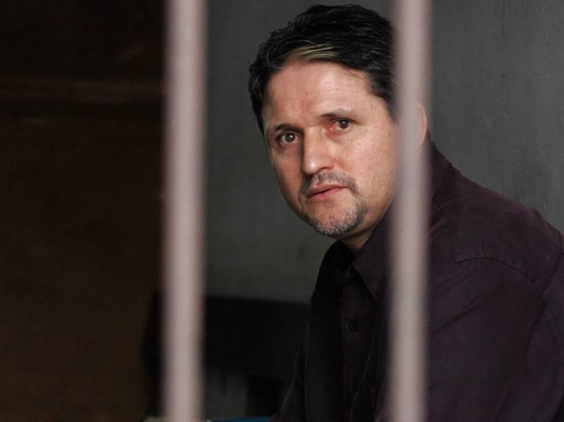 O brasileiro Marco Archer Cardoso Moreira sentado em uma cela na corte de Tangerang, perto de Jacarta. Um tribunal indonésio condenou Moreira à morte por tráfico de drogas - 08/06/2004