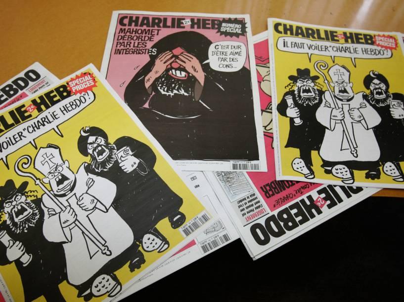 Algumas capas da revista satírica francesa Charlie Hebdo. A publicação não poupa políticos, polícia, banqueiros ou religião.