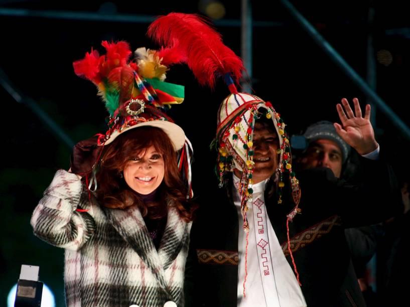 Presidente da Argentina, Cristina Kirchner ao lado do presidente boliviano Evo Morales durante cerimônia do lado da Casa Rosada, em Buenos Aires - 15/07/2015