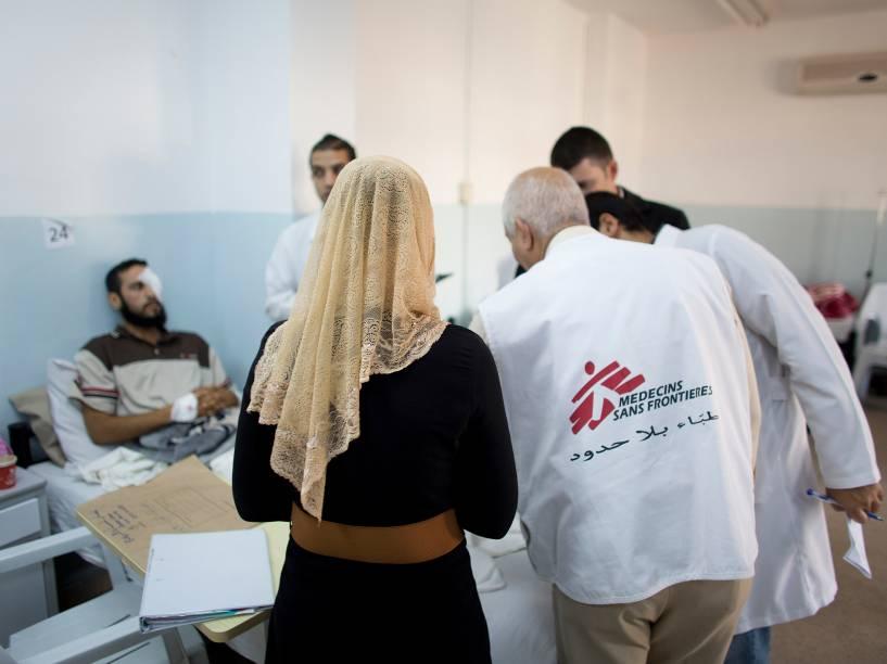 Atendimento a refugiados Sírios no hospital de MSF da Jordânia
