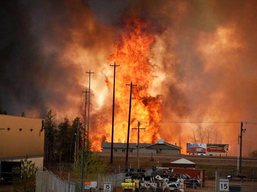 Incêndio florestal provocou a evacuação dos mais de 80 mil habitantes, da cidade de Fort McMurray, no Canadá - 03/05/2016