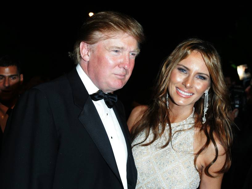 Donald Trump e Melania Trump durante o baile de gala pós-Oscar promovido pela revista 'Vanity Fair' em 2005