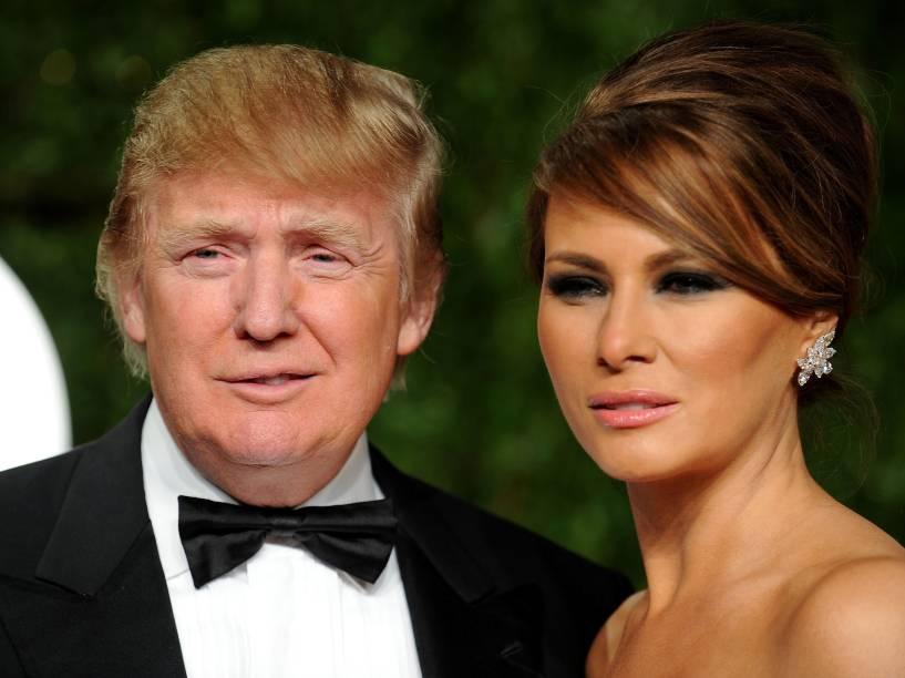 Donald Trump e Melania Trump durante o baile de gala pós-Oscar promovido pela revista Vanity Fair em 2011