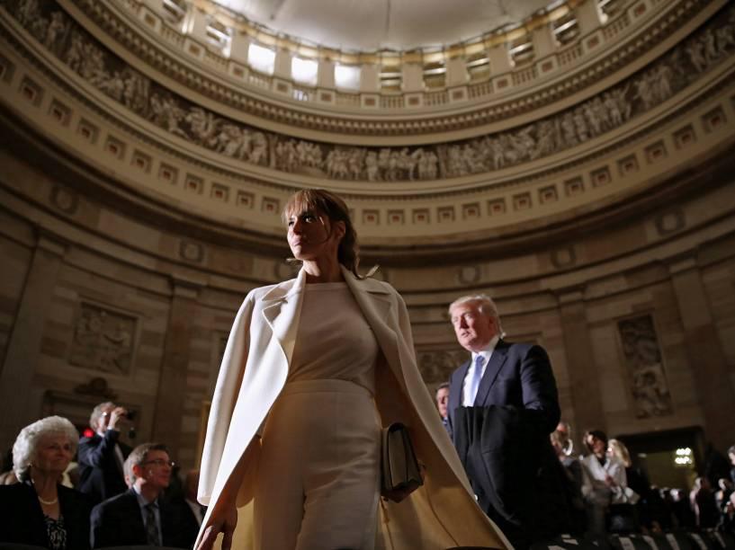 O bilionário e candidato republicano Donald Trump acompanhado de sua esposa Melania participam de cerimônia no Capitólio - 24/03/2015