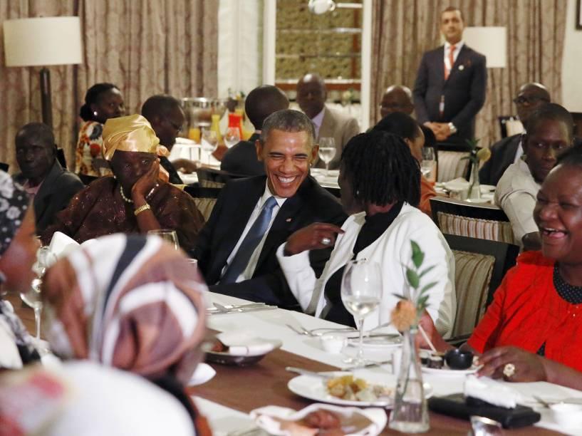 O presidente dos Estados Unidos, Barack Obama, durante jantar privado com familiares em Nairóbi, no Quênia - 24/07/2015