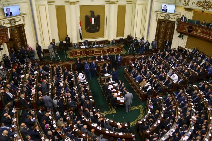 alx_mundo-parlamento-egito-20160110-001_original.jpeg