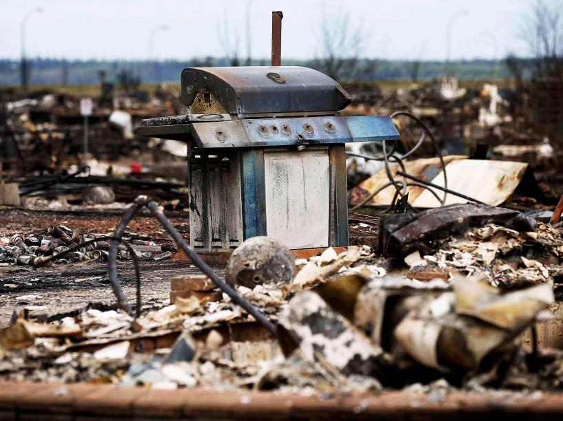 Bairro de Beacon Hill, em Fort McMurray, no Canadá, foi atingida por grande incêndio, nos últimos dias. Toda a cidade foi evacuada, e os moradores foram levados para abrigos nas proximidades - 10/05/2016