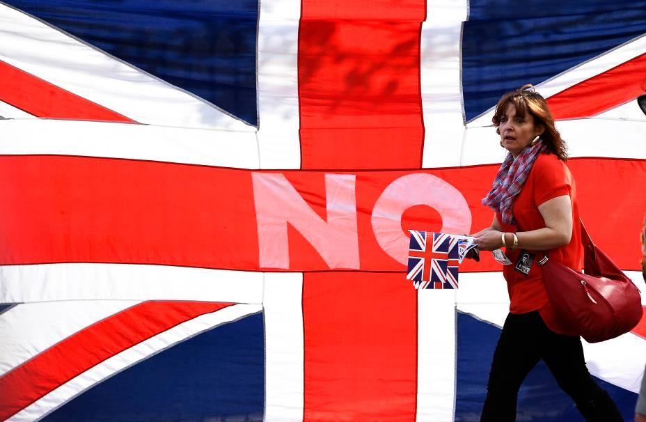 Protestantes da Irlanda do Norte e Escócia marcharam pelo centro de Edimburgo em apoio à manutenção da Escócia ao Reino Unido - 13/09/2014