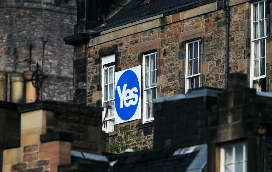 Cartaz que defende a independência da Escócia perante o Reino Unido em um edifício da cidade de Edimburgo - 13/09/2014